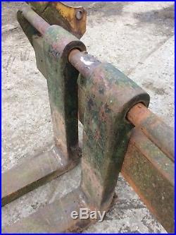 Super heavy duty 4 feet long pallet forks, Euro brackets, loadall, Farm, site
